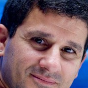 Yalman Onaran, Bloomberg News